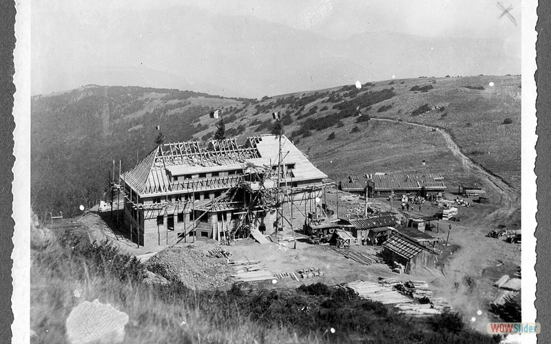 Nouvel hôtel en construction en 1921